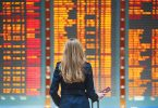 airports with most delays